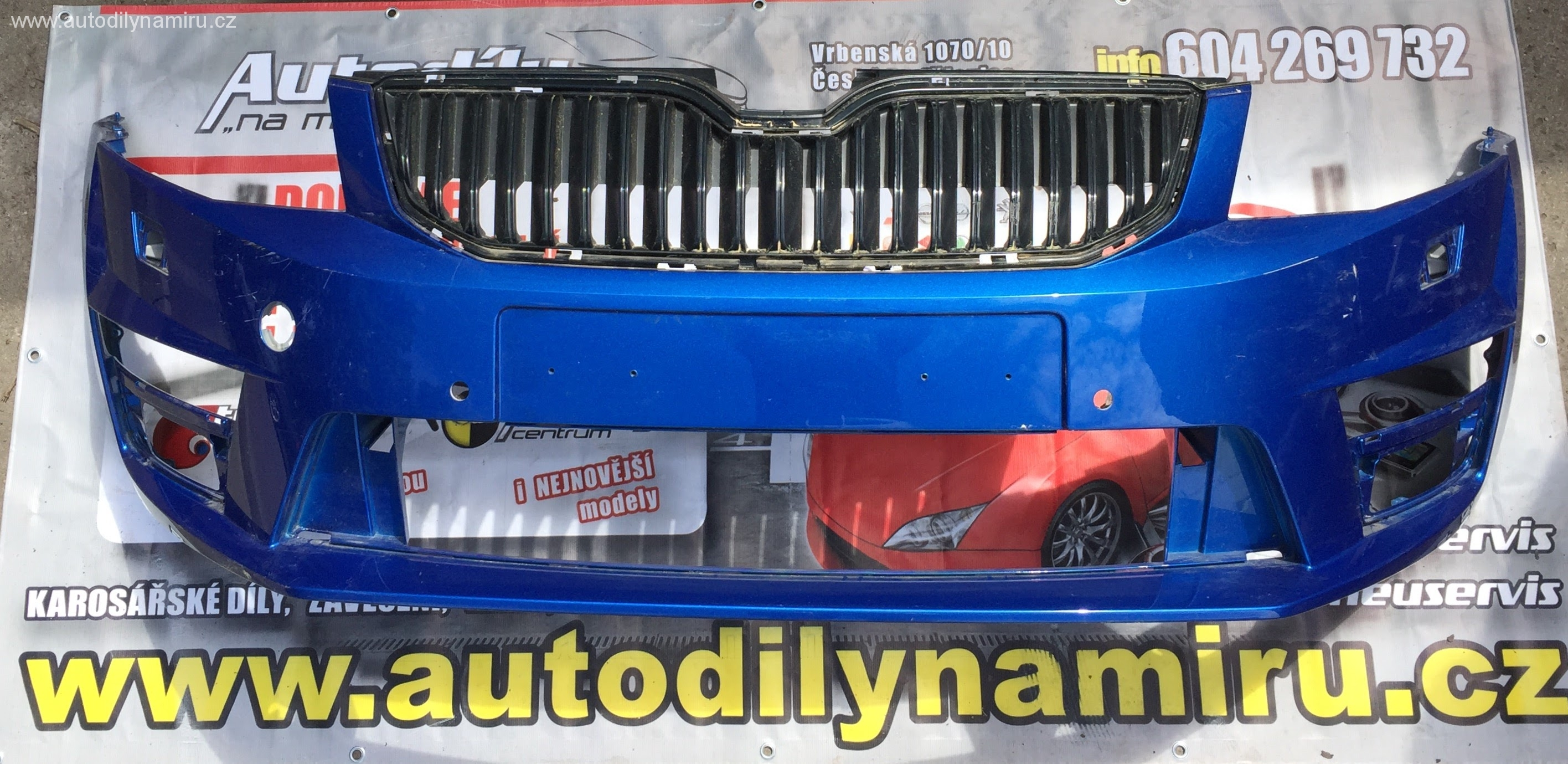 Škoda Octavia III RS , přední nárazník, příprava na PDC a osřikovače